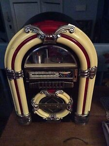 Radio cassette jukebox