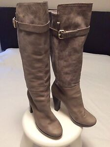 DESIGNER LONG BOOTS PURE LEATHER SZ40-41 USED COST $300 St Marys Penrith Area Preview