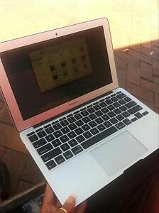 Mackbook air.!! Fairy Meadow Wollongong Area Preview