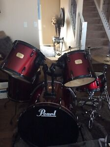 Pearl Drum Set with Sabian Cymbals and Stool