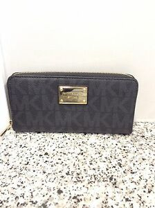 Authentic Michael Kors Large Wallet-Like New!