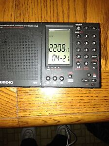 Grundig/Eton   AM FM Portable Shortwave Radio