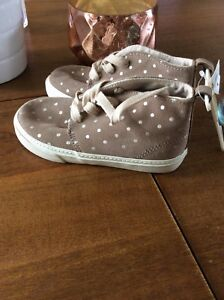 NWT gap runners size 10