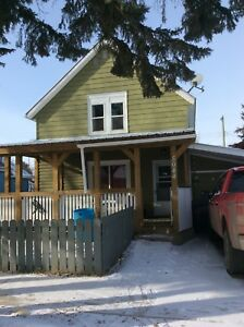 Mannville House For Rent
