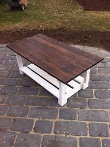 CUSTOM RECLAIMED PALLET FURNITURE