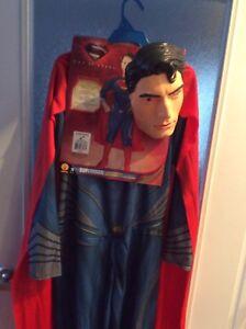 Superman taille 8/10  NEUF...