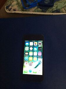 Black iPhone 5 16 GB - Unlocked *Only comes with phone*