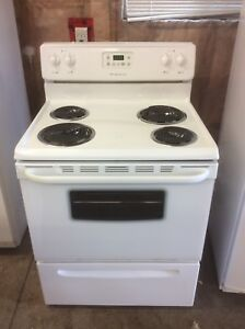 """Family Sized 30"""" ALL White Frigidaire Stove.... LIKE NEW!"""