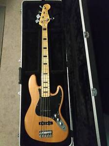 Squier Vintage Modified Jazz Bass V 5 String (w/ bag and acc)