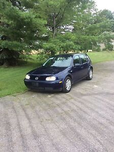 2002 Volkswagen Golf 2.0 $1800. 905-853-3222