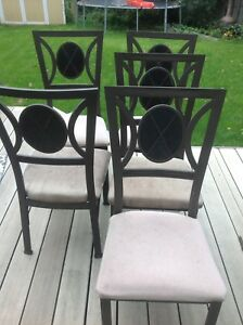 5 dinning/kitchen table chairs