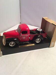 Diecast 1947 International Pickup Truck