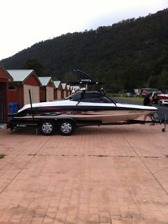 SKICRAFT SKI BOAT 2007 EX2 SPEEDBOAT IN VERY GOOD CONDITION Hawkesbury Area Preview
