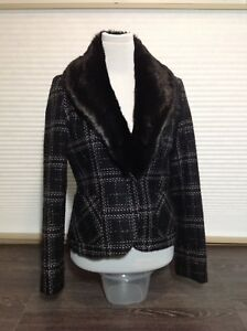 Fairweather jacket with removable fur collar