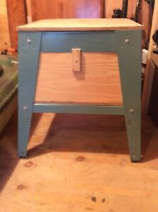 Table saw stand