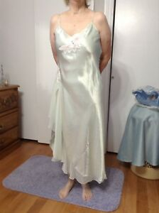Negligee & House Coat