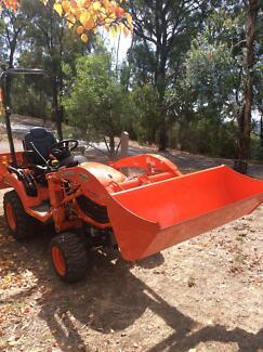 Kubota tractor BX2370