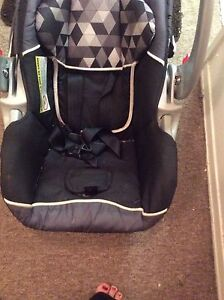 Baby trend car seat  Stratford Kitchener Area image 2