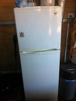 Free Fridge- not working Earlwood Canterbury Area Preview