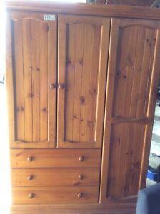 Pine Wardrobe  Wangara Wanneroo Area Preview
