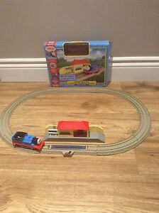 THOMAS AND FRIENDS Trackmaster motorized set $20