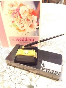 Wedding planner and guest pen