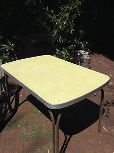 Laminate kitchen table Bridgewater Adelaide Hills Preview