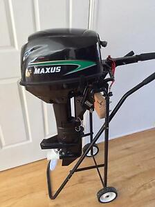 Maxus Outboard Motor - 9.8 horsepower Excellent Condition Elanora Gold Coast South Preview
