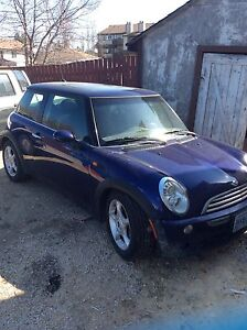 2005 mini cooper LOW MILEAGE!!!