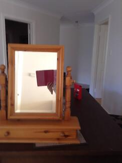 Pine dressing table Mirror Hillarys Joondalup Area Preview