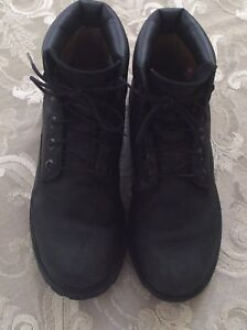 Boys TIMBERLAND  boots size 7 / Bottes taille 7