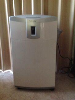 Air conditioner -portable  Dimplex. Model GDC 12 RWA