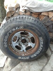 $100  F150 TIRE & RIM NEVER USED 265/70R17