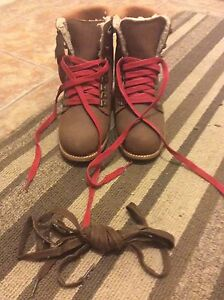 NWT woman's winter boots