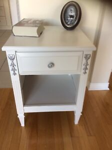 1 nightstand refurbished. Perfect for small space or low budget