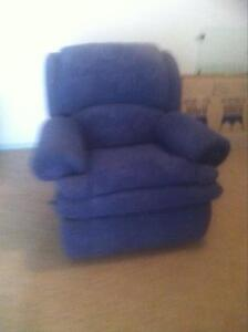 Recliner single lounge Raymond Terrace Port Stephens Area Preview