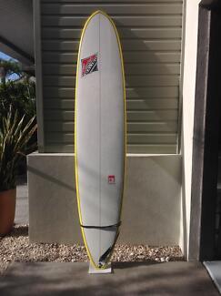 CM 9ft 1 Malibu ,fins , cover , leg rope.