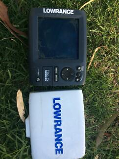 Fish finding depth reading lowrance X5 head unit chirp card
