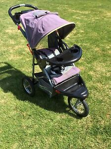 JOGGING STROLLER  BY BABY TRENDS