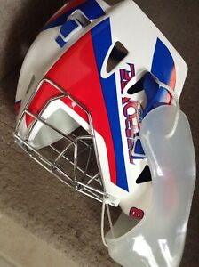 NEW SENIOR  HOCKEY MASKS & PROTECTION GEAR