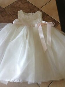 18 Months  Dressy Dress Mint Condition.........$5