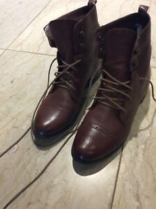 Topshop lace up leather ankle boot - size 9