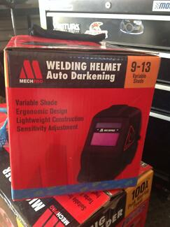 Mig welder and helmet Kallangur Pine Rivers Area Preview