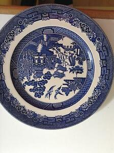2 Willow plates Richmond Yarra Area Preview