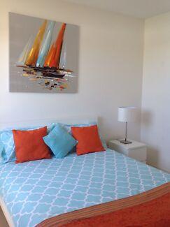 Bedroom to rent Kawana Island- Available Now