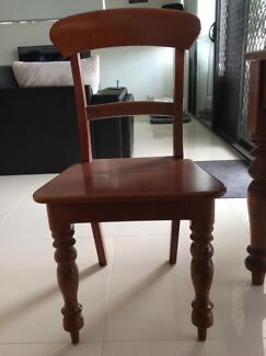 Reproduction colonial dining chairs x6