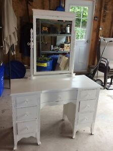 Vintage antique vanity table