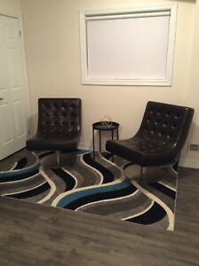 Accent lounge swivel chairs