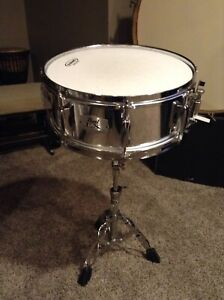 """14"""" Pearl export snare"""