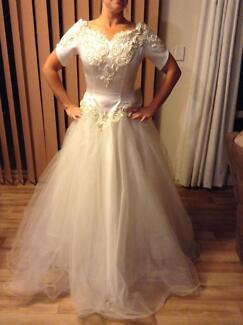 Ivory and gold wedding dress Evanston Park Gawler Area Preview